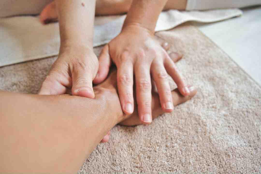 Comment faire un massage des épaules