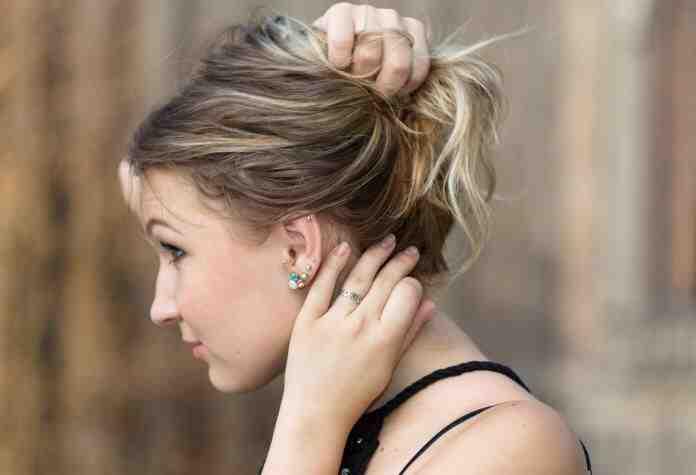 Comment réduire le trou du lobe de l'oreille ?