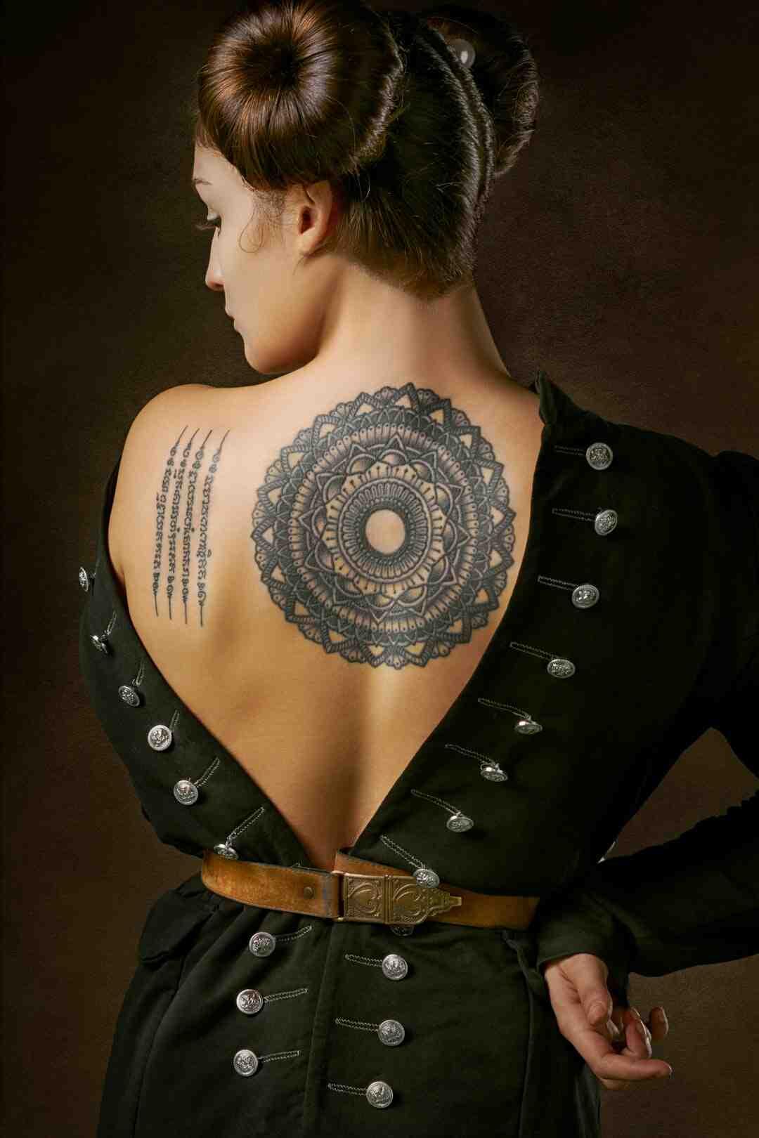 Comment se préparer pour un tatouage