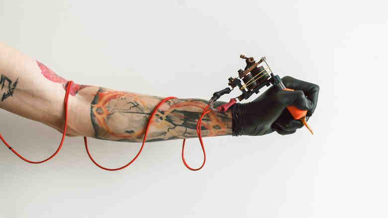 Quel stylo pour dessiner sur la peau ?
